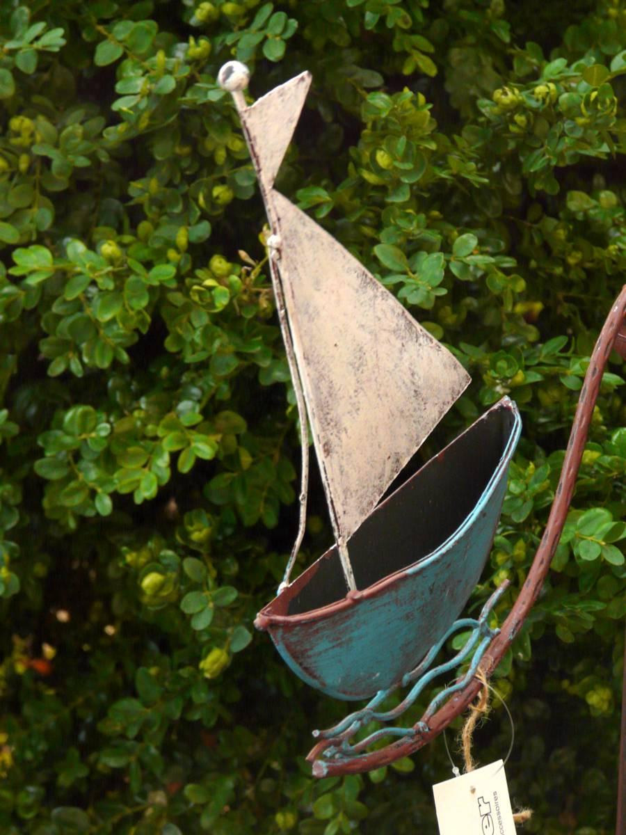 gartenstecker windspiel segelboot schiff metall ebay. Black Bedroom Furniture Sets. Home Design Ideas
