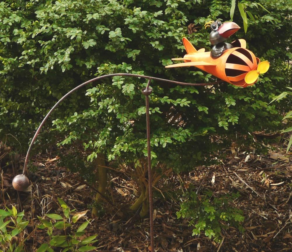 gartenstecker windspiel wippe vogel mit flugzeug rabe als pilot lustig metall ebay. Black Bedroom Furniture Sets. Home Design Ideas