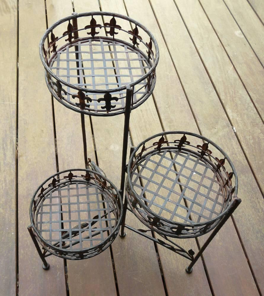 blumenst nder avis metall schmiedeeisen blumenregal ebay. Black Bedroom Furniture Sets. Home Design Ideas